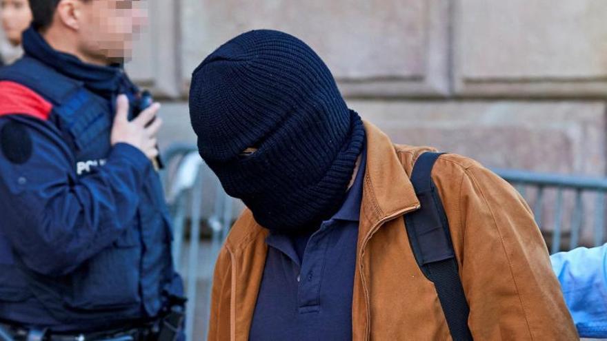 La Fiscalía pide cárcel para el pederasta de los Maristas