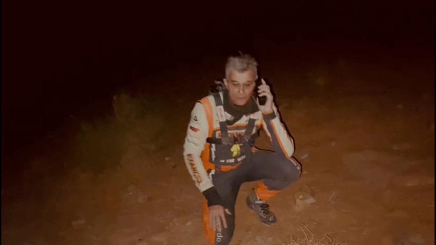 El equipo vigués del Dakar se queda tirado en el desierto