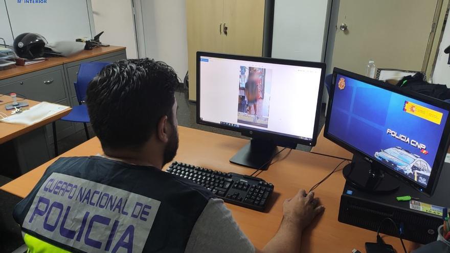 Encarcelado un hombre por dos atracos en comercios en Palma