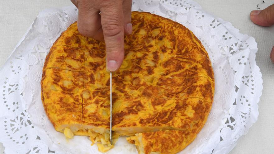 'Diga simplemente que no le gustó la tortilla': el zasca viral de un hostelero a un cliente por quejarse