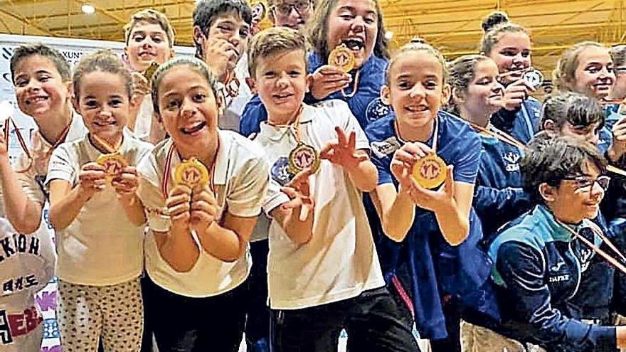 Diez oros para el taekwondo de Sada