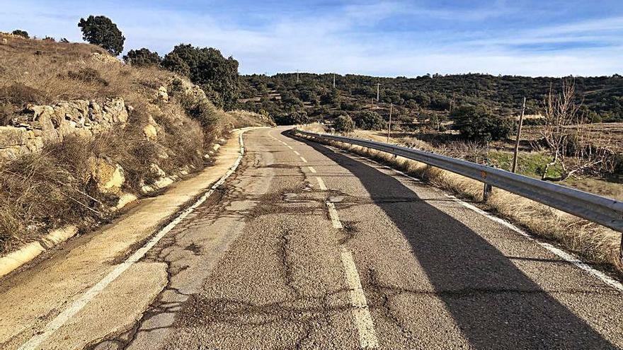El cambio de asfaltado de la carretera entre Portell y Cinctorres estará terminado antes de julio