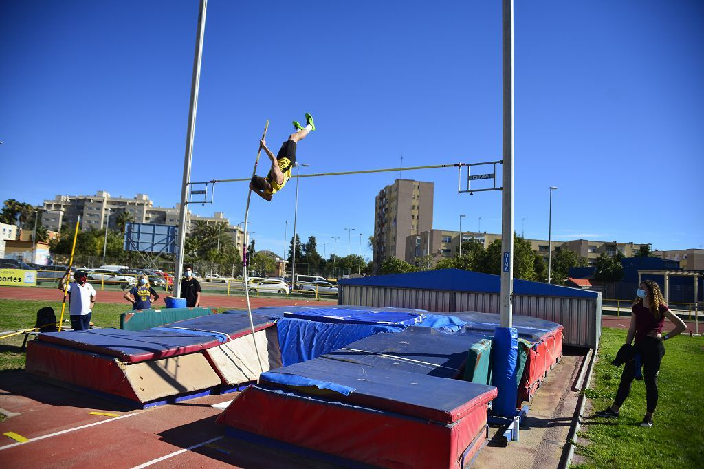 Atletismo nacional Máster sábado en la pista de Atletismo de Cartagena