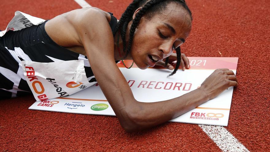 Nou rècord mundial d'atletisme: Sifan Hassan aconsegueix els 10.000 metres en  29:06.82