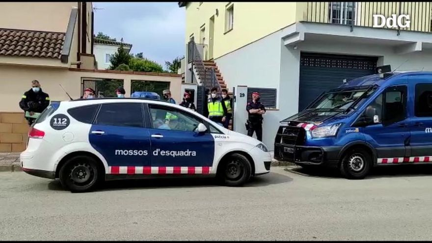 Almenys 300 detinguts en la macrooperació policial a Girona contra una banda que falsifica carnets de conduir