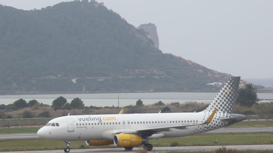 Vueling une Ibiza con tres nuevos destinos nacionales