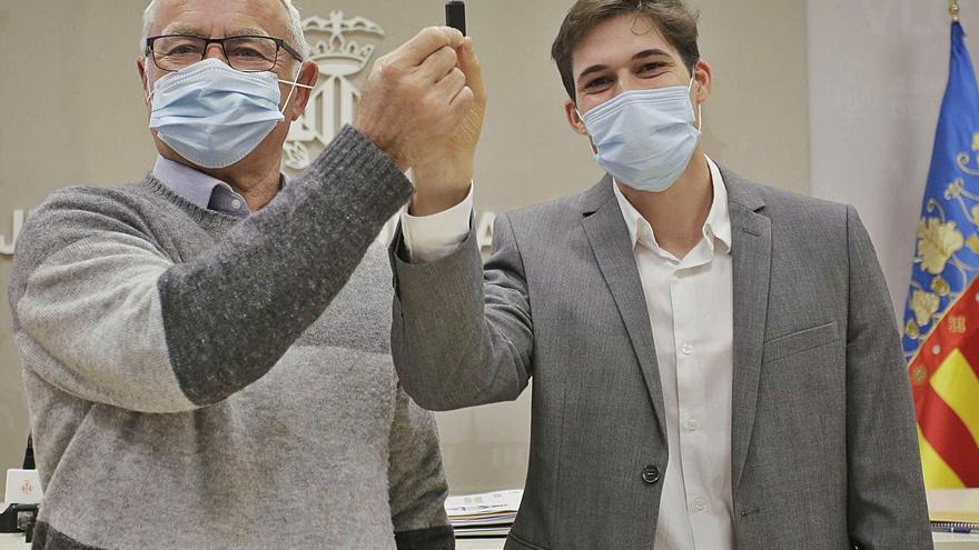 Ribó anuncia un superávit de 53 millones y el PSPV le advierte que debe ser para la pandemia