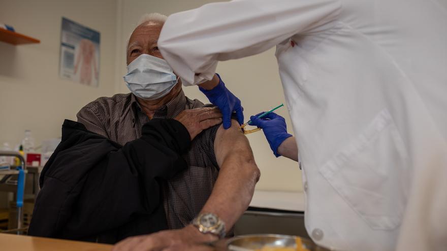 Comienza en Moraleja del Vino la vacunación contra el COVID a mayores de 70 años