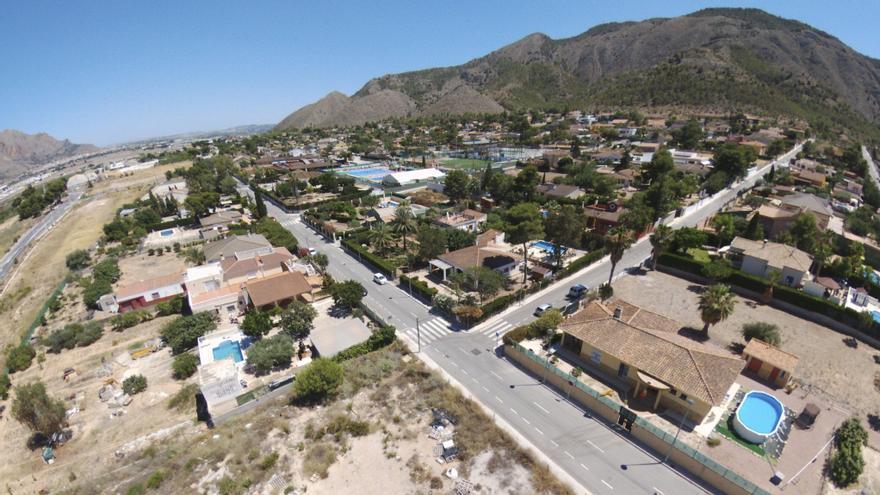Los vecinos de Montepinar llevan a Orihuela al juzgado para saber dónde ha ido su dinero