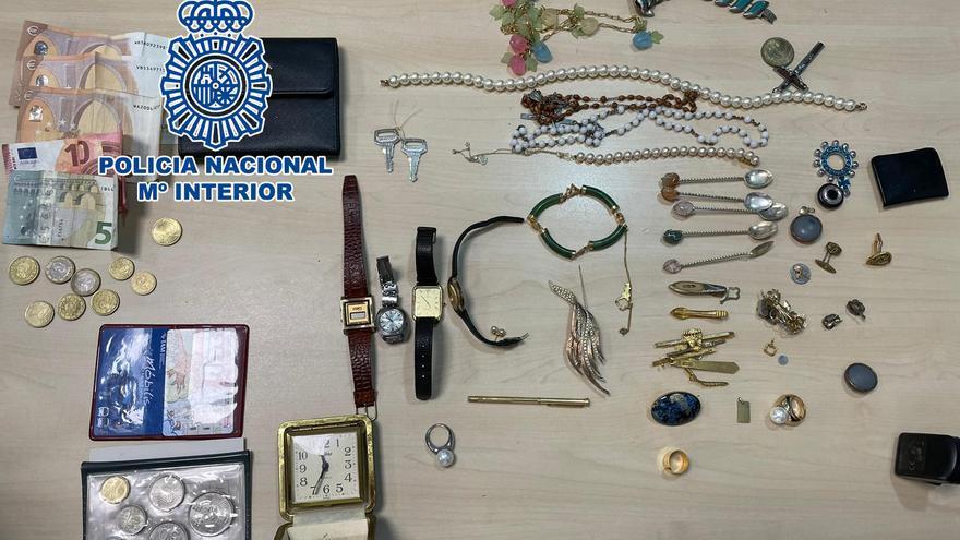 Dos detenidos en Alicante por robar en viviendas del litoral de la Comunidad
