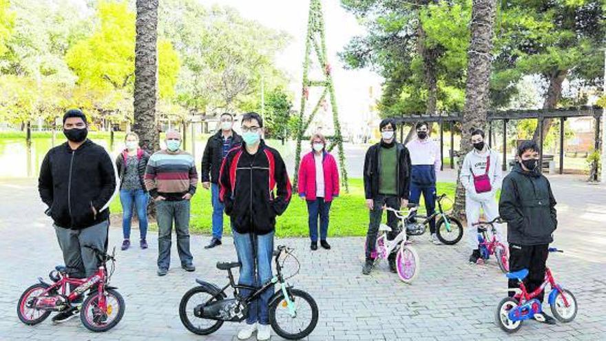 El IES de Picassent dona 6 bicicletas al consistorio