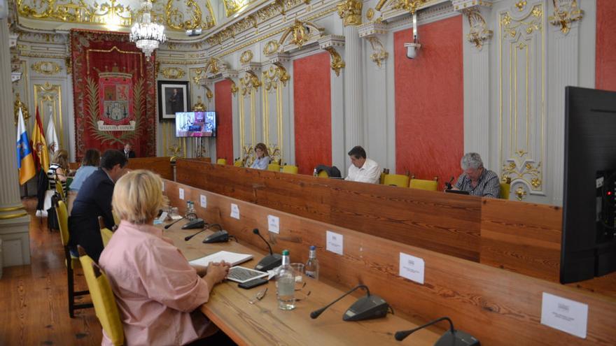 Los plenos del Ayuntamiento se reorganizan por las dimisiones las concejalas de PP y Cs