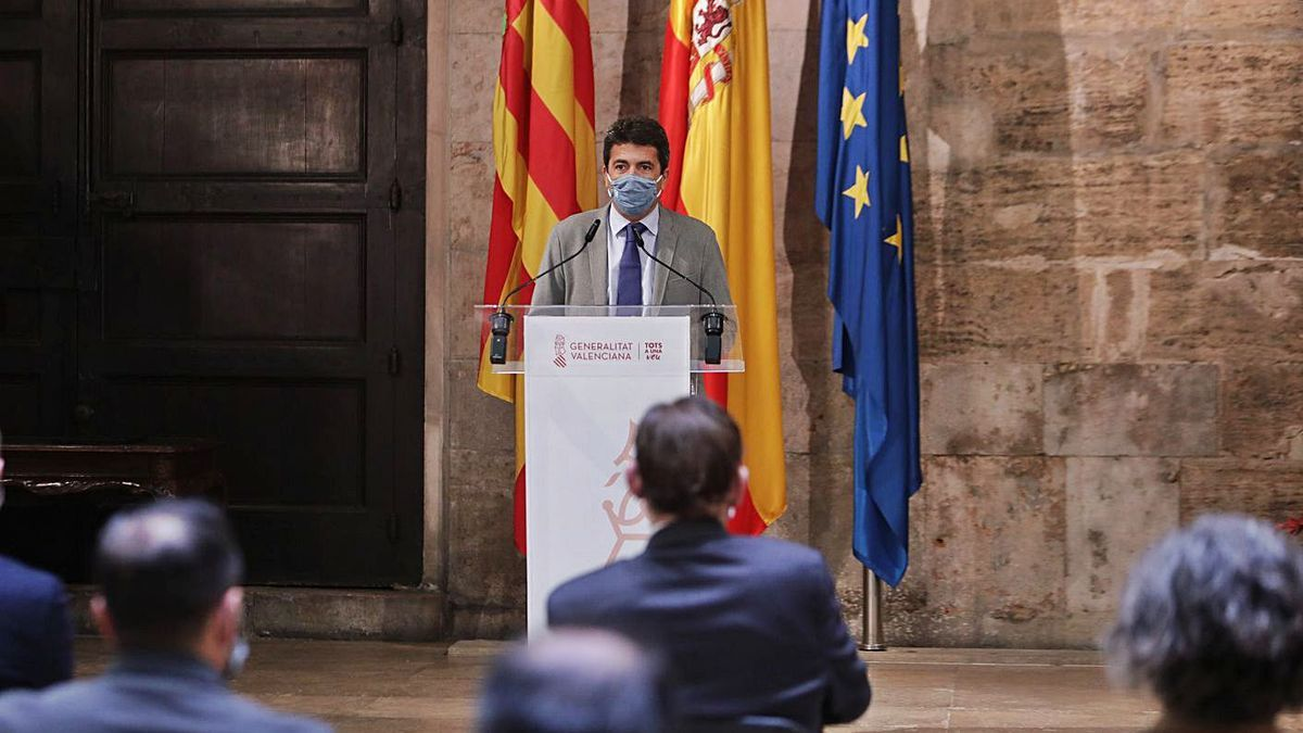Carlos Mazón signed an agreement with Transparency on Wednesday at the Palau de la Generalitat.