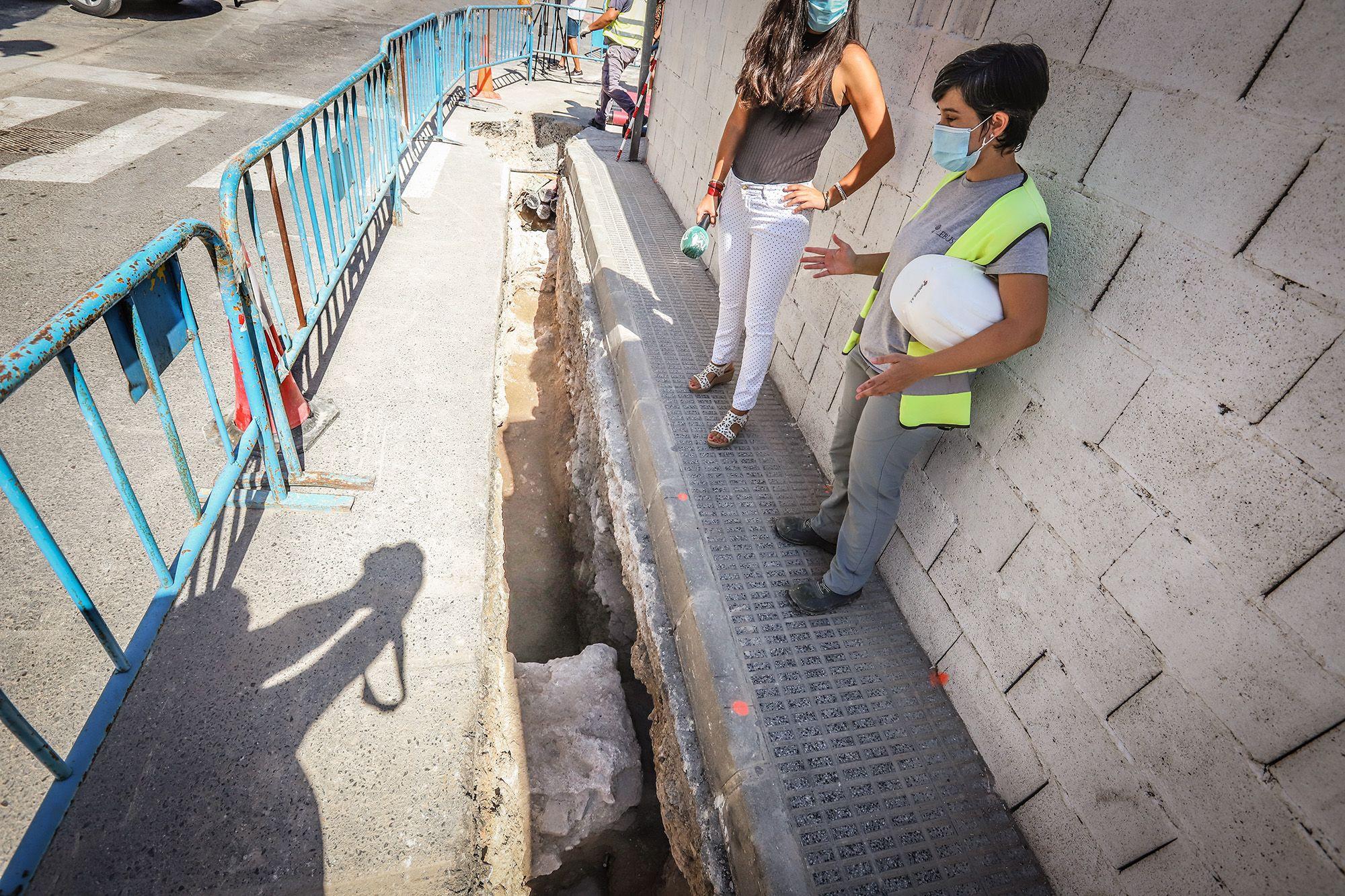 Hallan nuevos restos de las murallas y viviendas medievales en el casco urbano de Orihuela