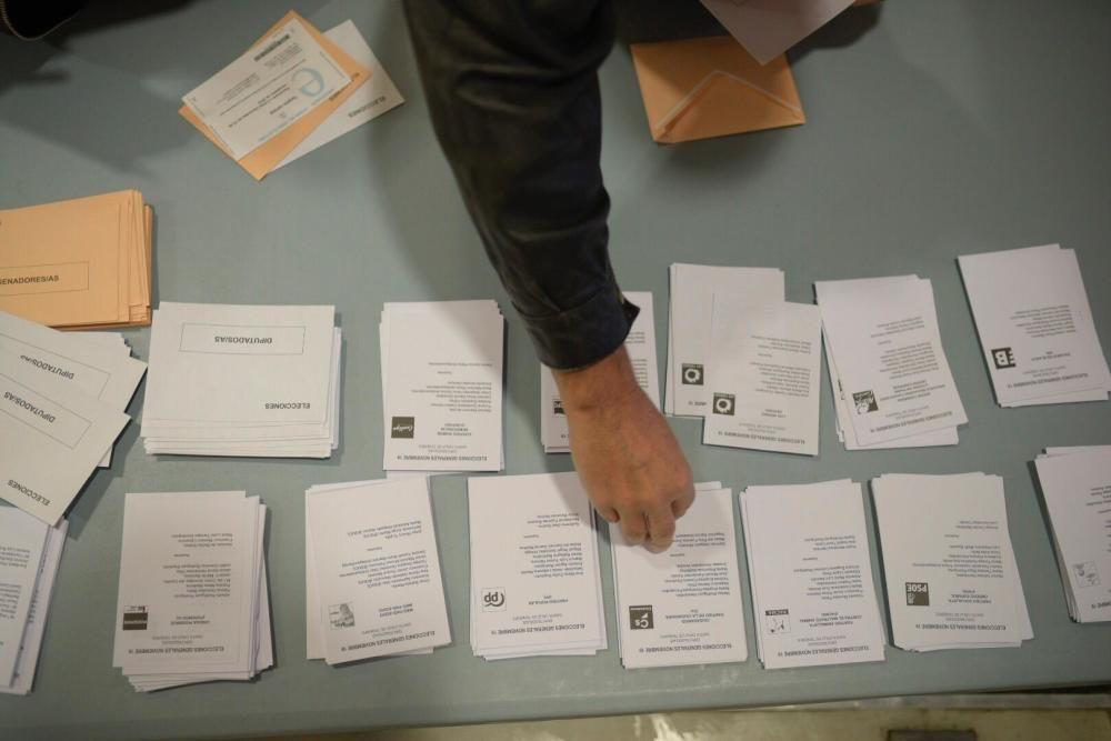 Colegio electoral en El Ayuntamiento de Santa Cruz
