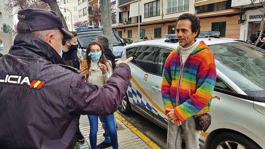 El médico de Formentera suspendido extiende certificados sobre la covid