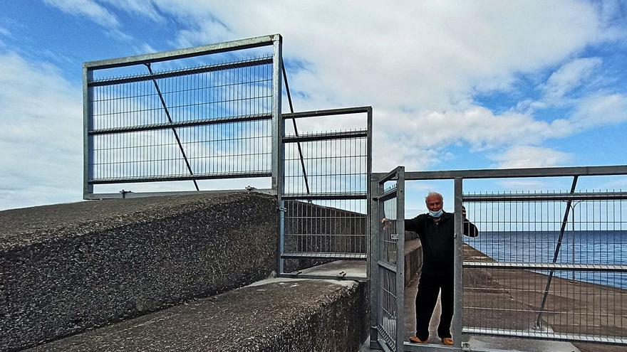 """El cierre con vallas del dique de San Esteban será permanente por motivos de """"seguridad"""""""