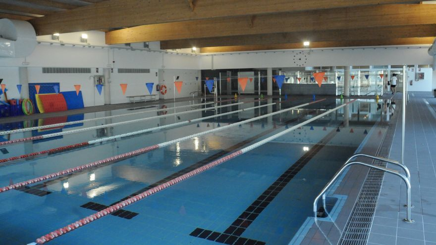 Una empresa reclama 200.000 euros a Cambados por cerrar la piscina 19 meses
