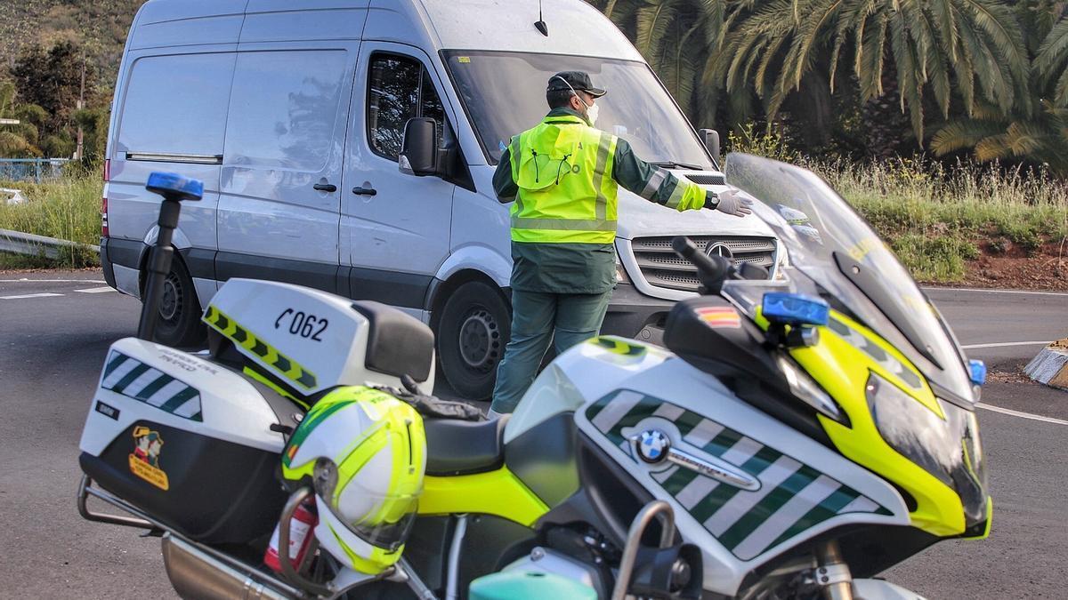 Control de la Guardia Civil en la autopista del Norte