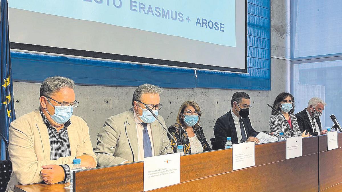 Presentación del Proyecto Arose, ayer, en la Consejería de Eucación