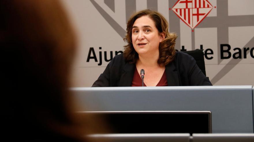 """Colau reclama a Torra un pla urgent a les residències per no estar """"prou ateses"""""""