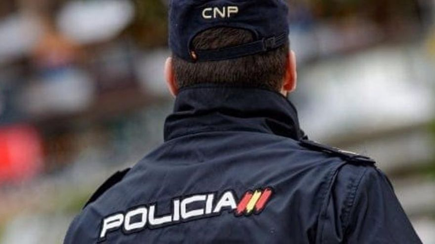 Detienen a un joven por golpear e insultar a dos chicos que se besaban en Palma
