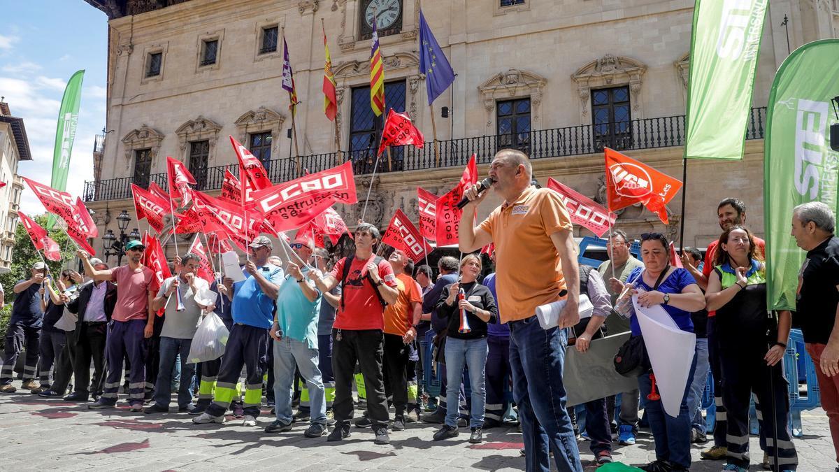 Imagen de archivo de una protesta de los jardineros ante Cort.