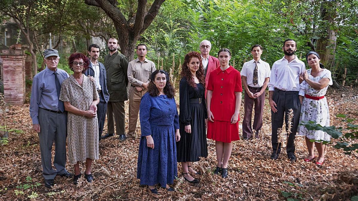 Dotze actors de La Funcional Teatre donen vida a aquest clàssic del tot actual