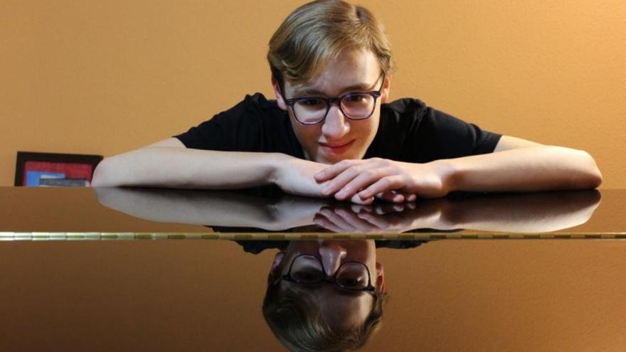 Un joven suecano logra dos premios internacionales           de piano en París y Londres