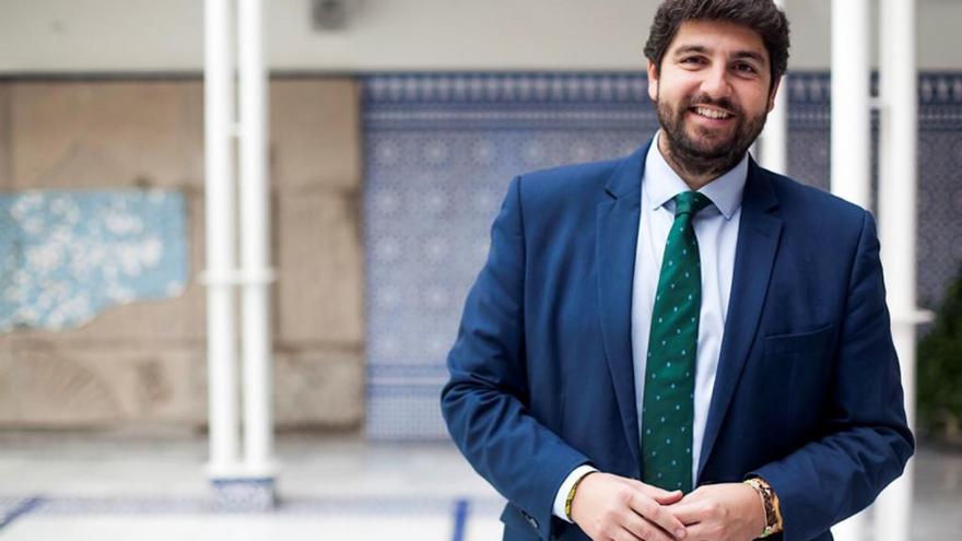 """López Miras tacha de """"injustificable"""" el artículo del directivo de RTRM"""