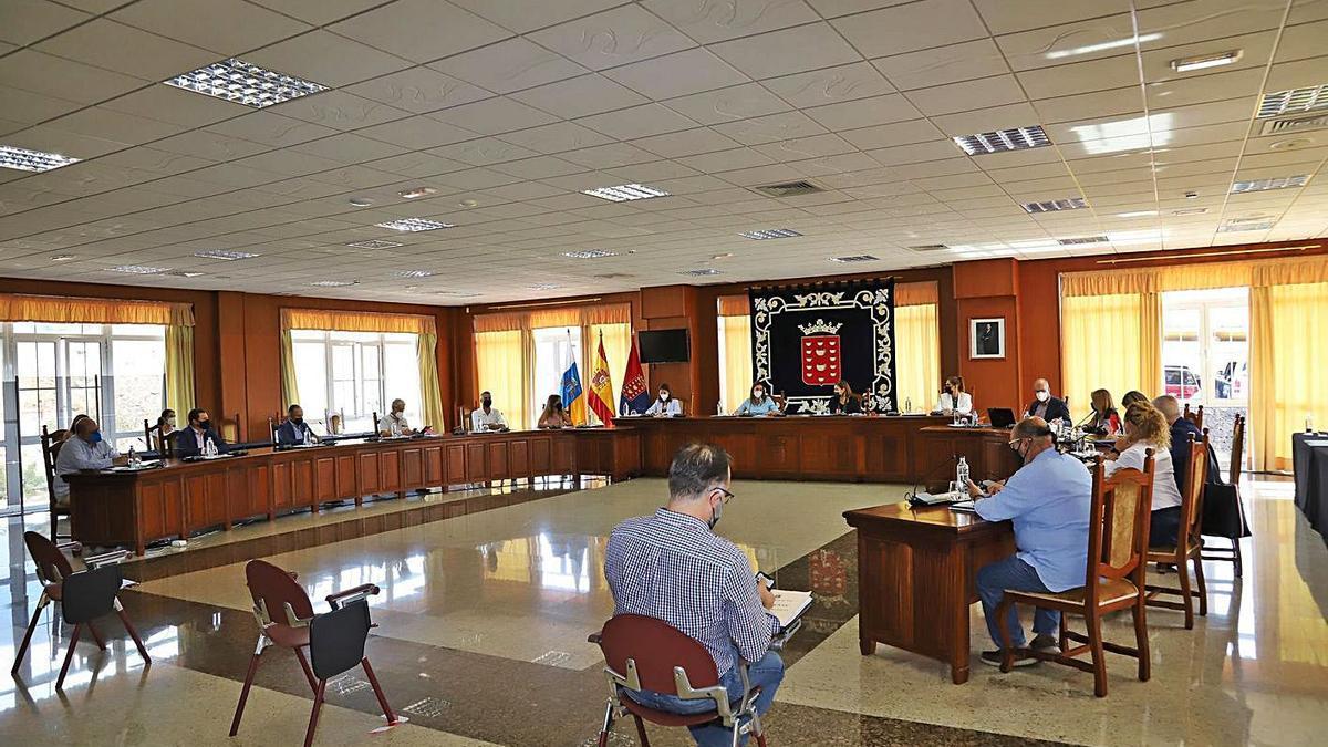 Reunión en el Cabildo para presentar el proyecto piloto del servicio insular de atención a mayores y dependientes. | | LP/DLP