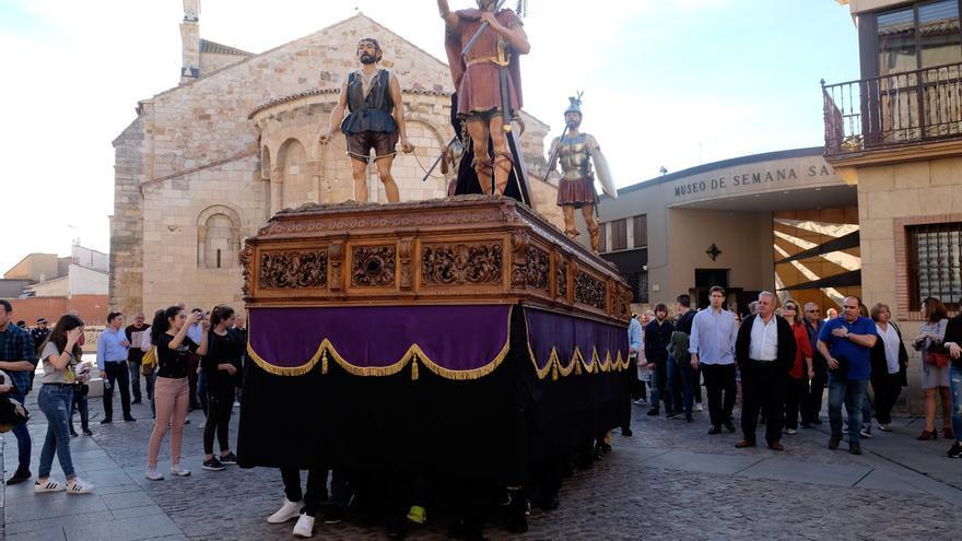 Jesús Nazareno de Zamora cambia la estructura al Cinco de Copas