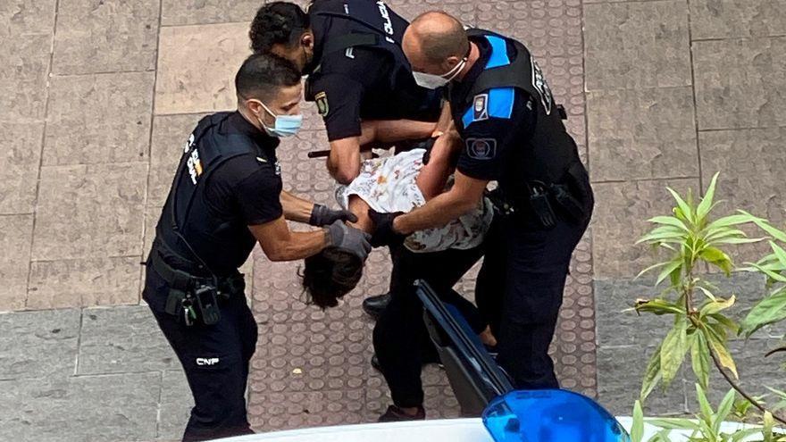 Un altercado en la calle Oliva obliga a intervenir a la Policía