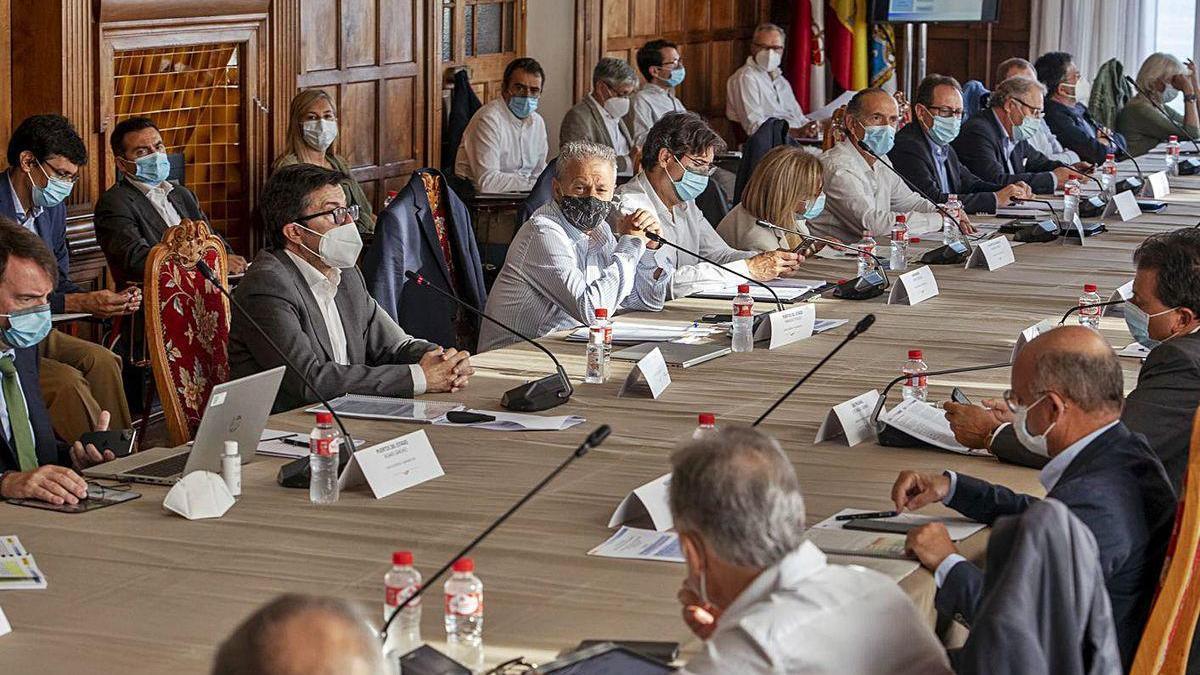 Un momento del seminario de Puertos del Estado en el palacio santanderino de La Magdalena.