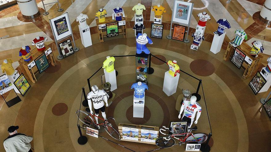 La esencia de la Vuelta, de museo: así es la exposición que recoge la historia de la ronda asturiana