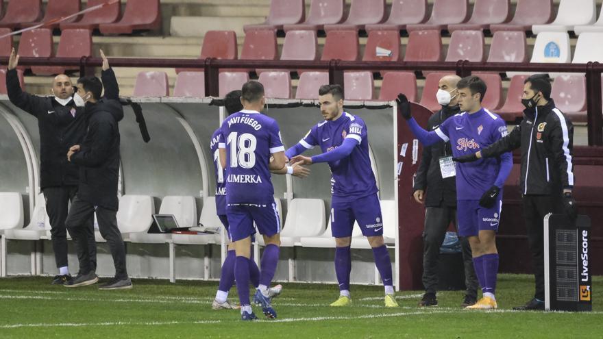 El Sporting va sobrado de mediapuntas: Atasco a la espalda de Djuka