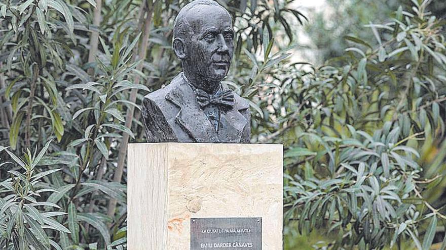 Restauración del busto de Emili Darder