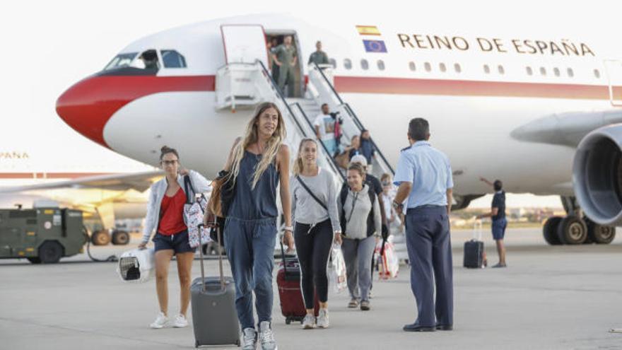 Llega a Madrid el avión con los españoles afectados por el huracán Irma