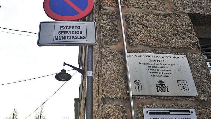 El PSOE lleva al parlamento autonómico la cesión del Salón Peña para Cambados