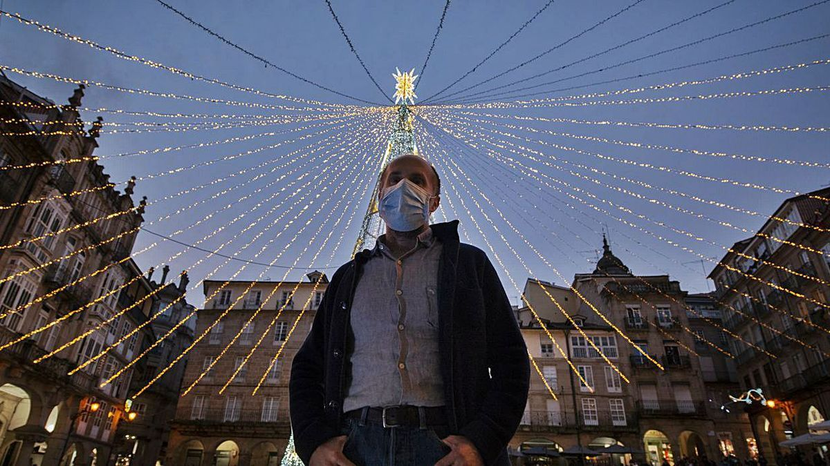 Jácome, el 11 de noviembre de 2020, tras el encendido oficial de las luces navideñas.   | // BRAIS LORENZO