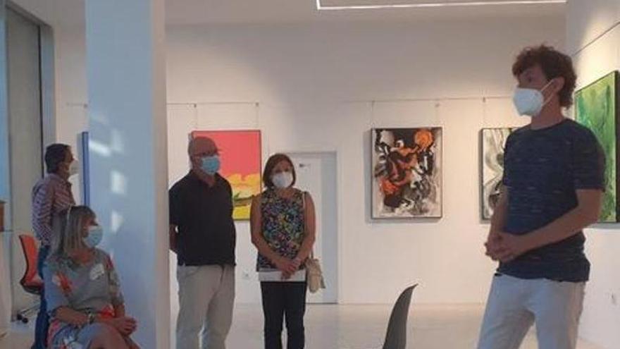 Javier Miranda expone 30 pinturas en el centro cultural La Gota de Navalmoral de la Mata