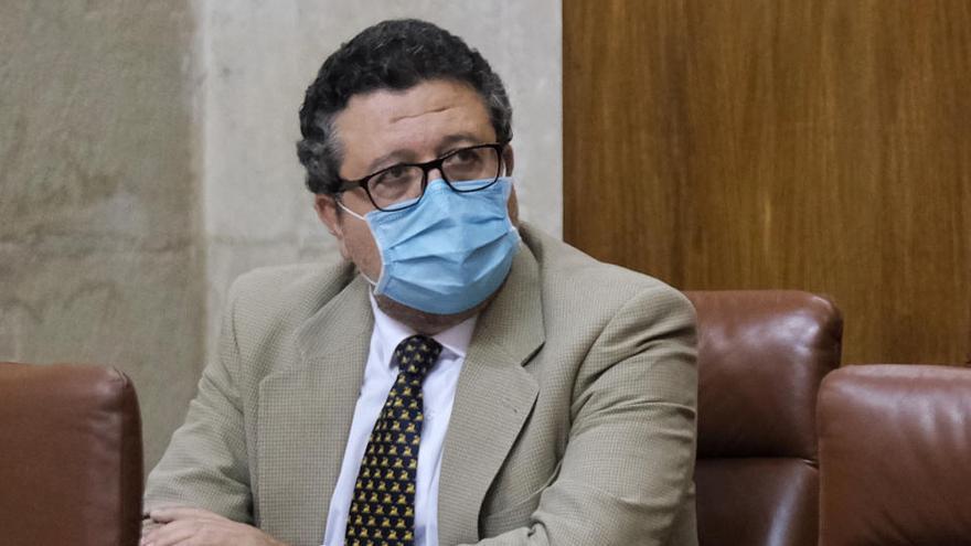 """Francisco Serrano deja su acta en el parlamento andaluz """"desencantado"""" con la política"""