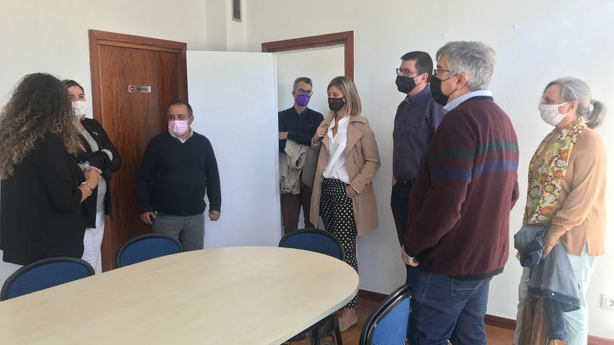 L'alcaldessa de Figueres visita les noves instal·lacions de l'Escola de Noves Oportunitats