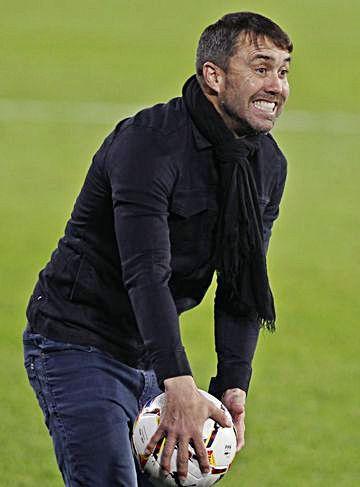 El Chacho Coudet en el partido que enfrentó al Celta y al Granada el 29 de noviembre