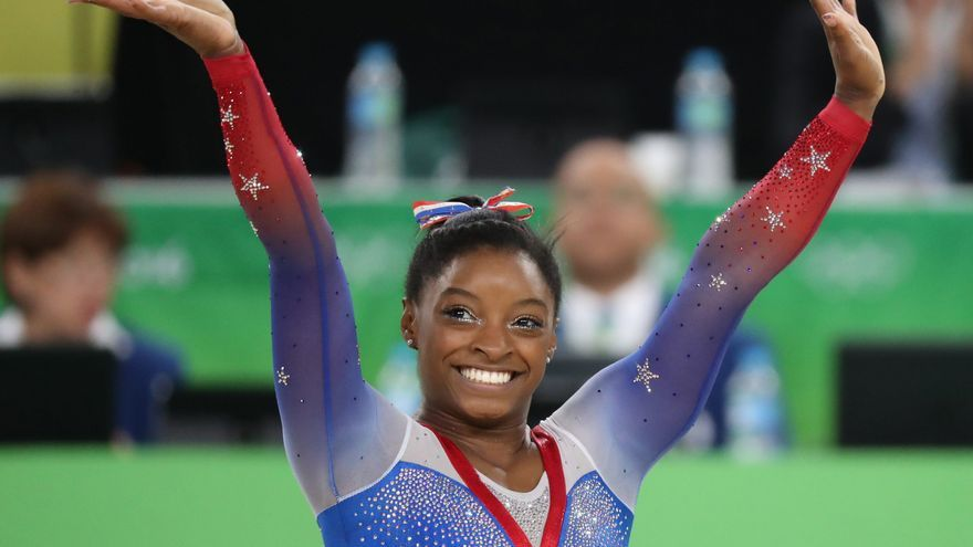 Simone Biles vuelve a los Juegos con la final de barra en equilibrio