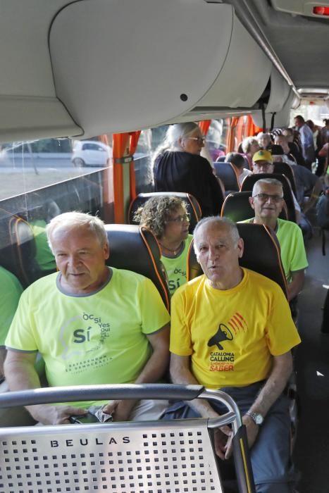 Centenars de gironins marxen cap a Estrasburg per participar en la concentració davant el Parlament Europeu