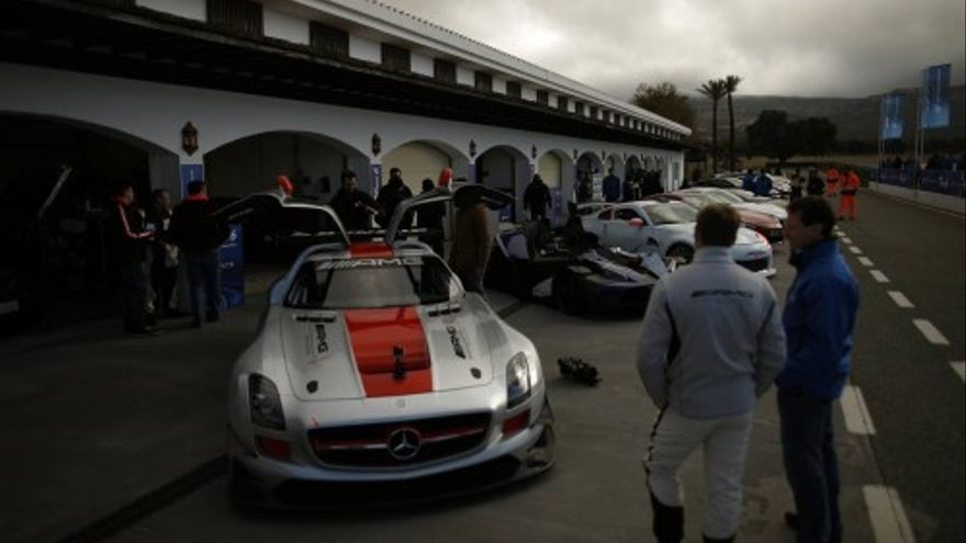 Audi ofrecerá cursos de conducción del RS e-tron GT en el circuito Ascari de Ronda