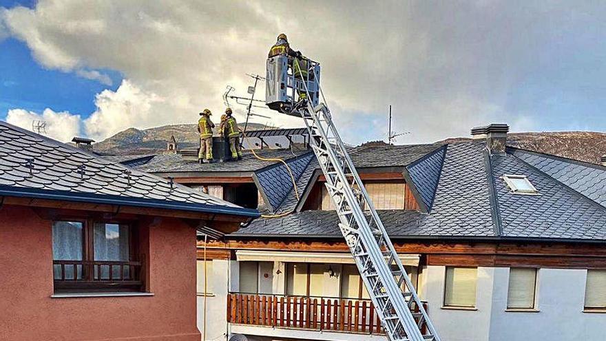 Ensurts per quatre focs de xemeneia a Alp, Bellver, Sant Vicenç i Coll de Nargó