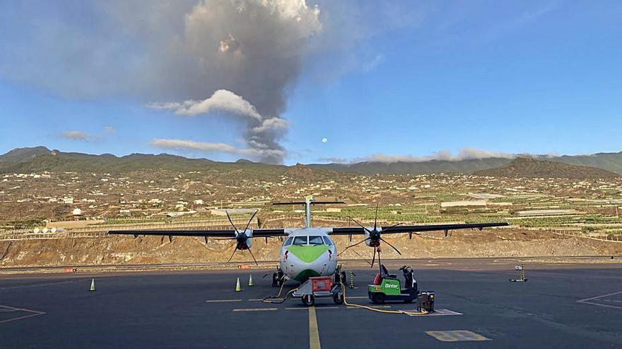 Bombardejar el volcà: la proposta del president de La Gomera per encarrilar les colades de La Palma
