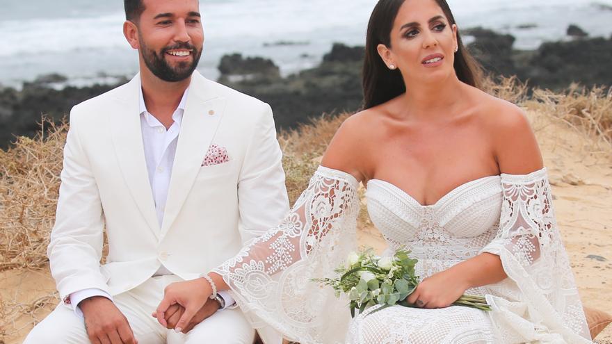 Anabel Pantoja y Omar Sánchez contraen matrimonio en La Graciosa